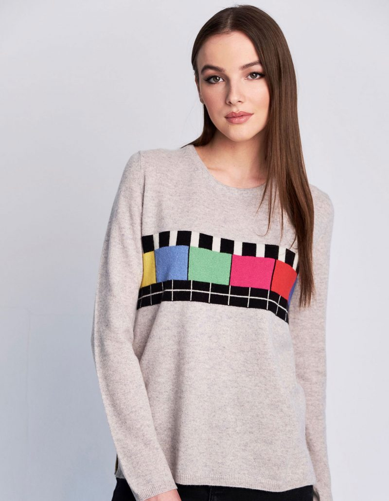 A malin darlin Test Bild Marl womens cashmere jumper with crew neck and no signal TV pattern across the front.