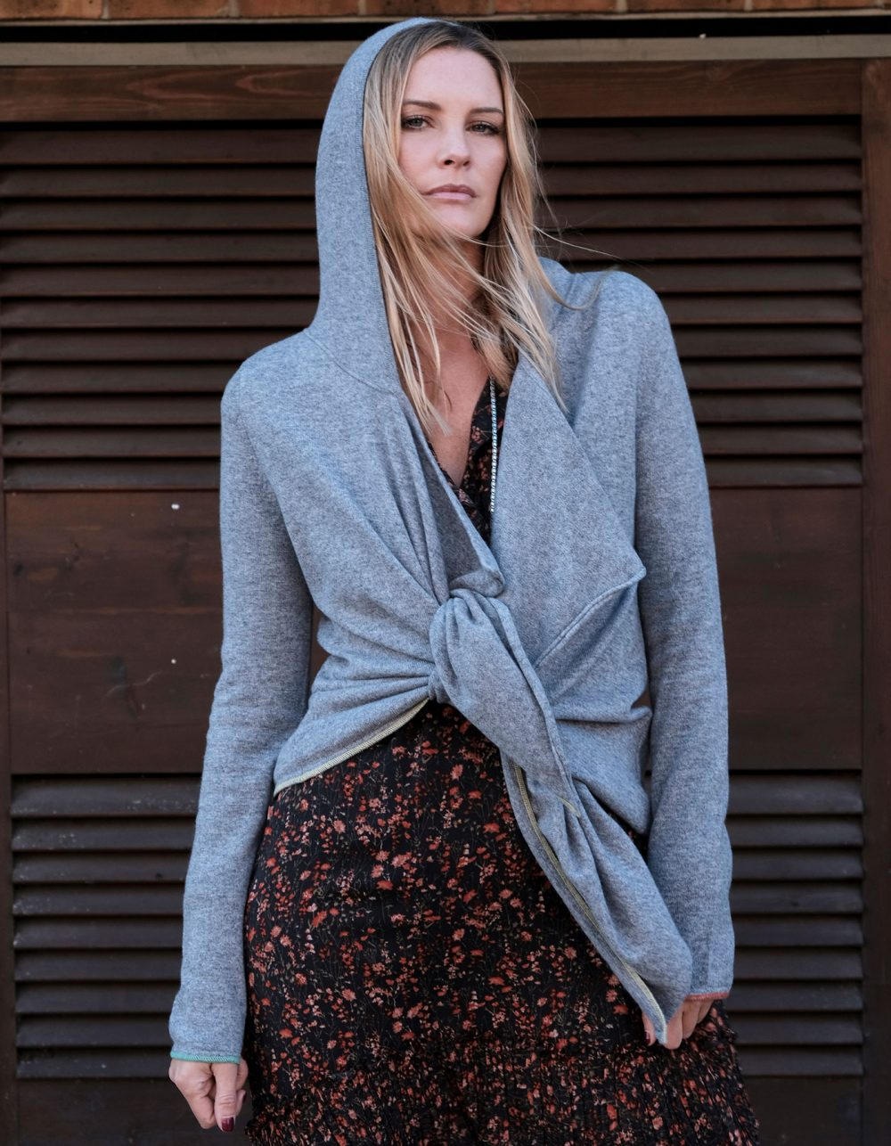 Tie Hoody Cashmere by Malin Darlin