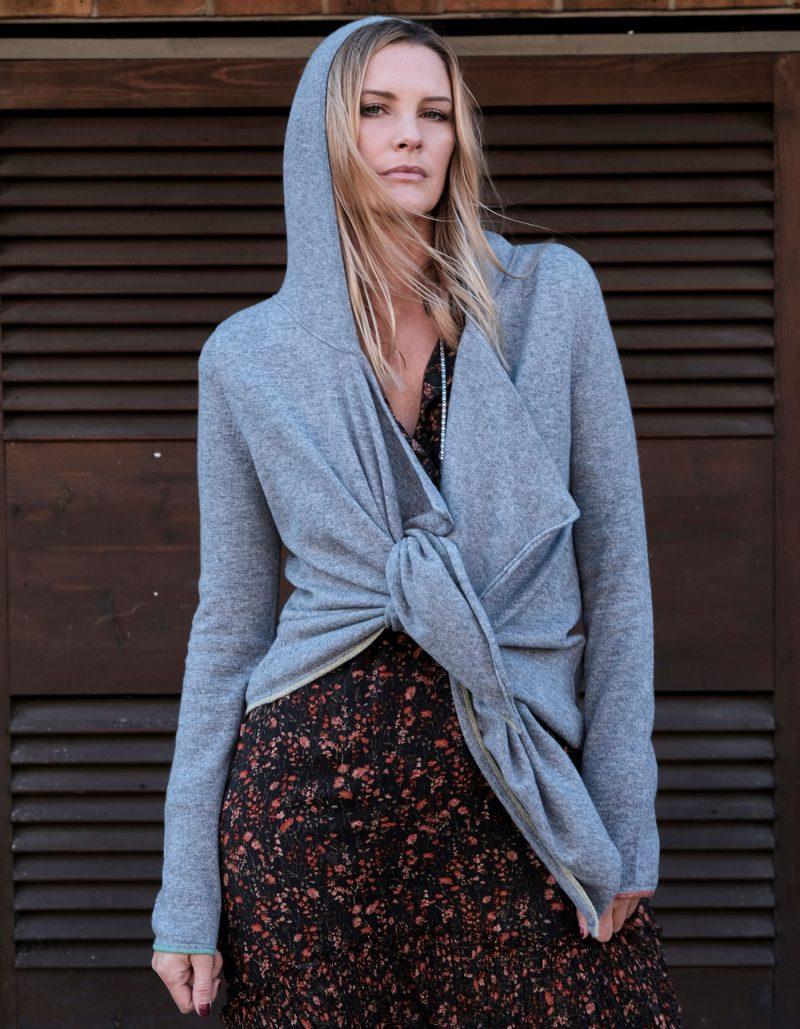 Tie Hoody Cashmere by Malin Darlin