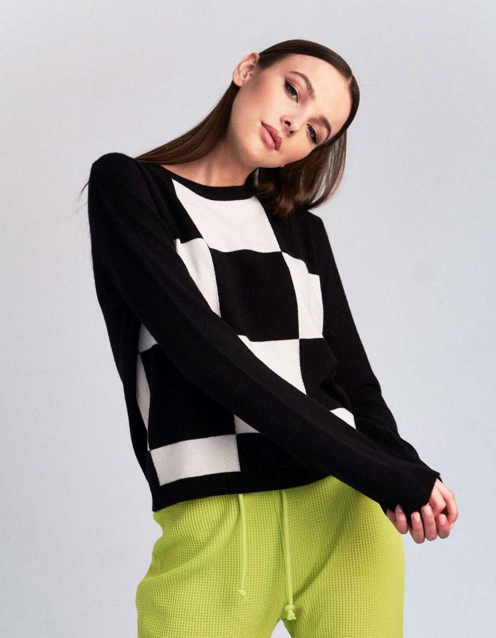 A model wearing the Gambit cashmere jumper, a malin darlin womens cashmere knitwear style.